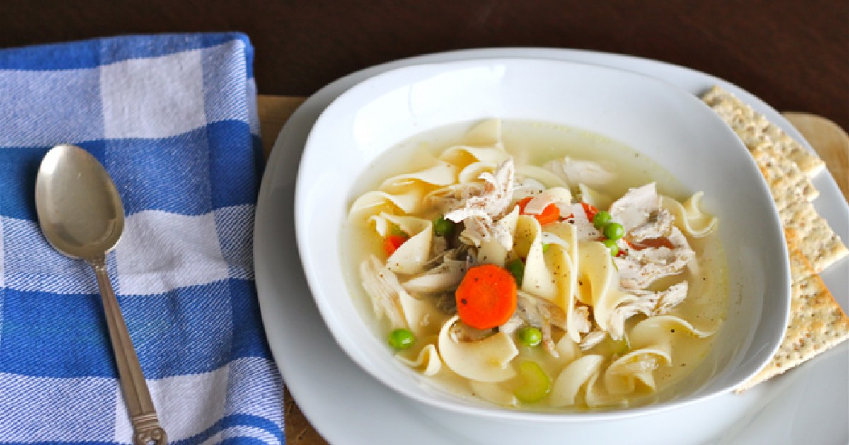 Chicken vegetable soup hearty chicken vegetable soup for What vegetables to put in chicken noodle soup