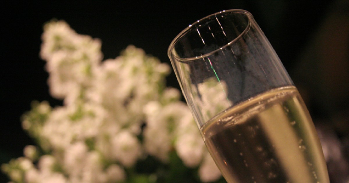 Why Champagne May Be A Healthier Choice Greatist