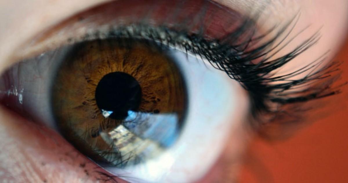 Got Brown Eyes People May Think Youre More Trustworthy Greatist