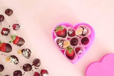 13. Fruit Chocolate Box