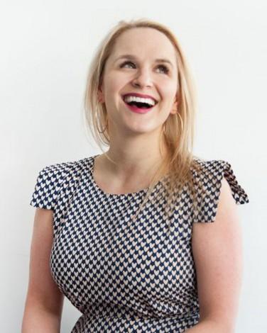 Susie Moore Headshot