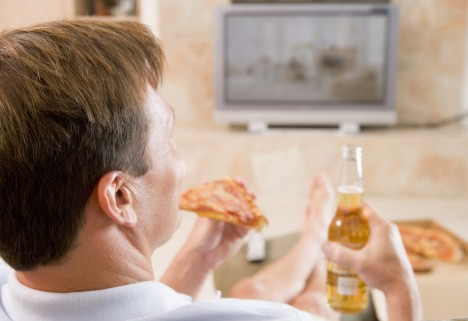 Does Eating In Front Of A TV Make You Eat Worse?