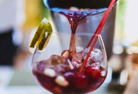 Recipe: Apple Cranberry Sangria