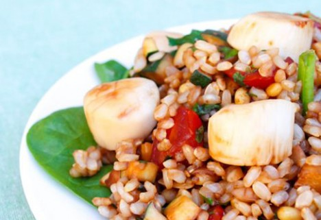 Balsamic Glazed Scallops With Basil and Pine Nut Pilaf