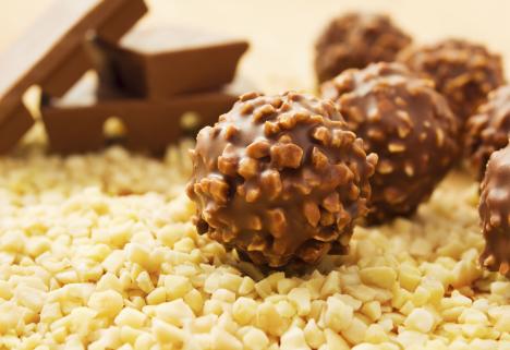 Healthier Homemade Ferrero Rocher Truffles