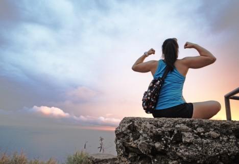 Women lifting heavy