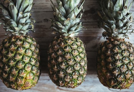 Cut a Pineapple: Feature