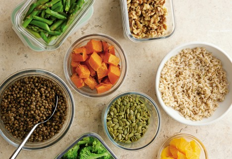 Hilaria Baldwin's Secret to Meal-Prepping Bowls Without a Recipe