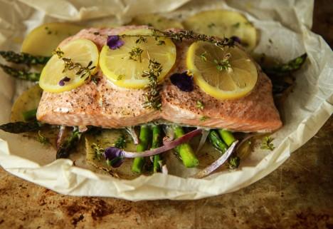 Lemon Salmon and Asparagus En Papillote Recipe