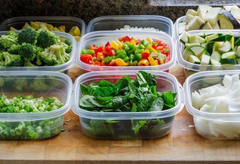 A Guide to Meal-Prepping So Eating Healthy Is a No-Brainer