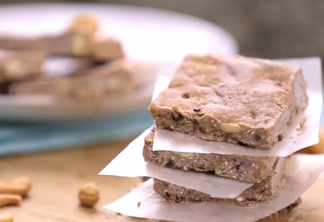 Eat Me Video: Chocolate Cashew Protein Bars feature