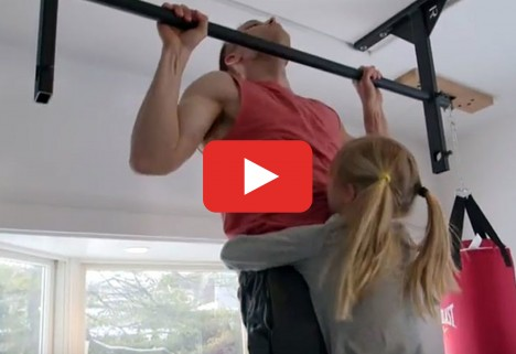 The Guy Who Set the World Record for Pull-Ups Doesn't Look Anything Like the Hulk