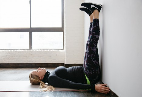 15 Easy Prenatal Bodyweight Exercises, for When You Want to Lie on the Couch and Eat Saltines