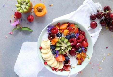 Ways to Use Coconut Milk: Coconut Oatmeal with Fruit
