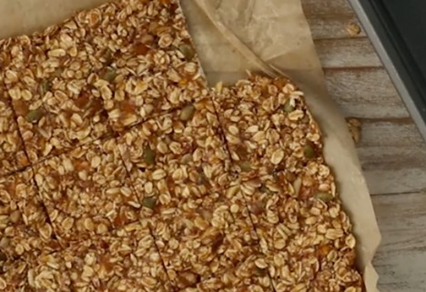 video: no-bake granola bars feature