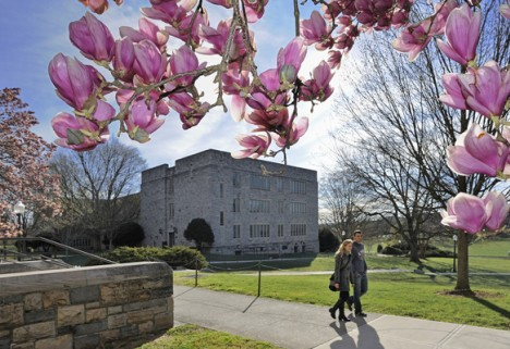 The 25 Healthiest Colleges 2013