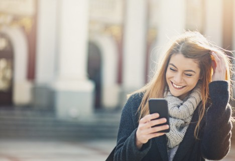 Why You Shouldn't Text Back Right Away (It's Science!)