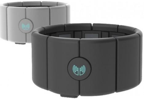 MYO Armband Turns Every Arm Gesture Into a Virtual Command