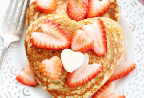 Valentine breakfast: feature