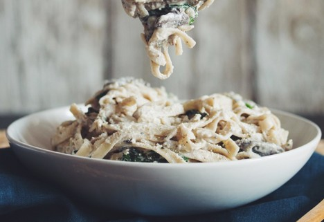 Healthy Pasta Recipes: Creamy Vegan Mushroom Fettuccine Alfredo