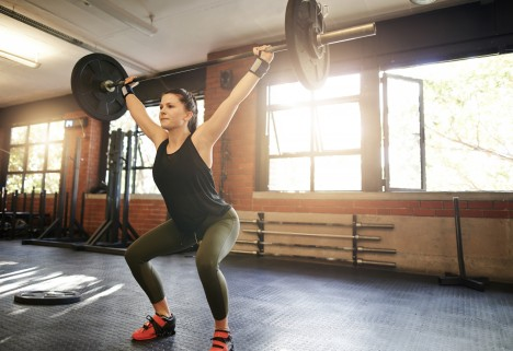 7 Thoughts Every Woman Has While Lifting Weights