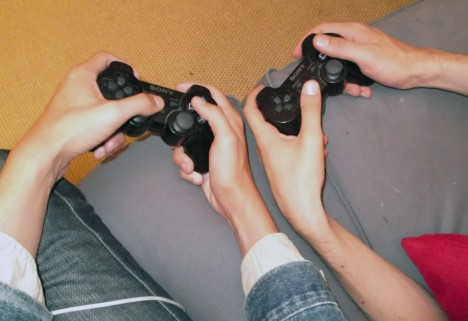 NEWS: Playing Video Games Helps Parent/Daughter Relationships