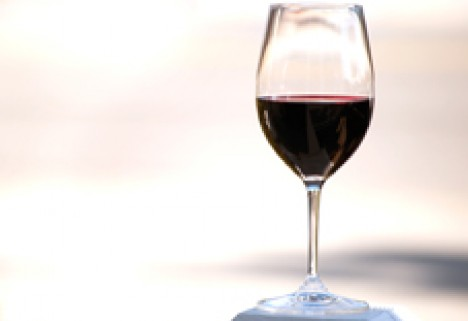 Drinking? Sip Wine in Moderation for Health Benefits