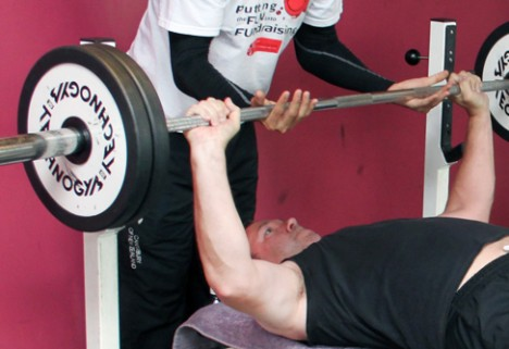 How to Be the Best Spotter at the Gym