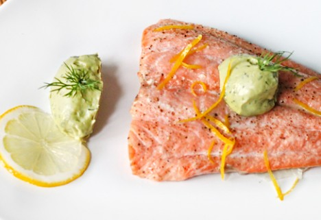 Baked Salmon With Avocado-Dill Yogurt