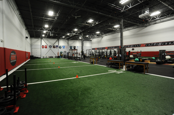 The 21 most innovative gyms in the u s greatist for Athletic training facility design
